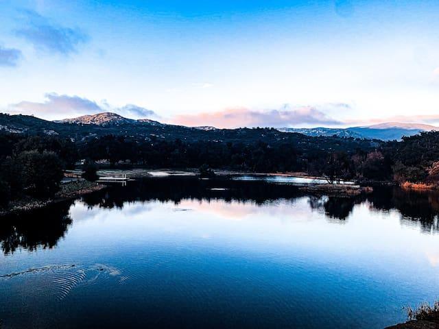 Fishing paradise & romantic retreat.  Stocked lake