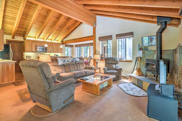 The property accommodates 10 throughout 2,000 square feet of living space.
