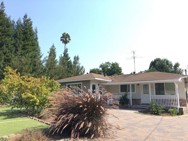 Sunny Quiet 2/1 near Alphabet/Stanford - Mountain View - Apartemen