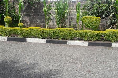 Tranquil setting in heart of nakuru - Nakuru - House
