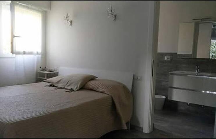 Appartamento nuovo per 2 persone al mare!!