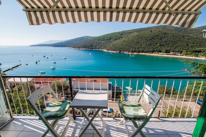 Apt for 4+1 persons with WLAN in Rabac R53162
