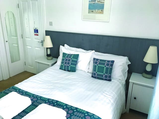 Seabreeze - Small Double Room - Non Sea View