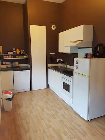 t1 45m2 chambre en mezzanine proche de la gare - Tourcoing - Appartement
