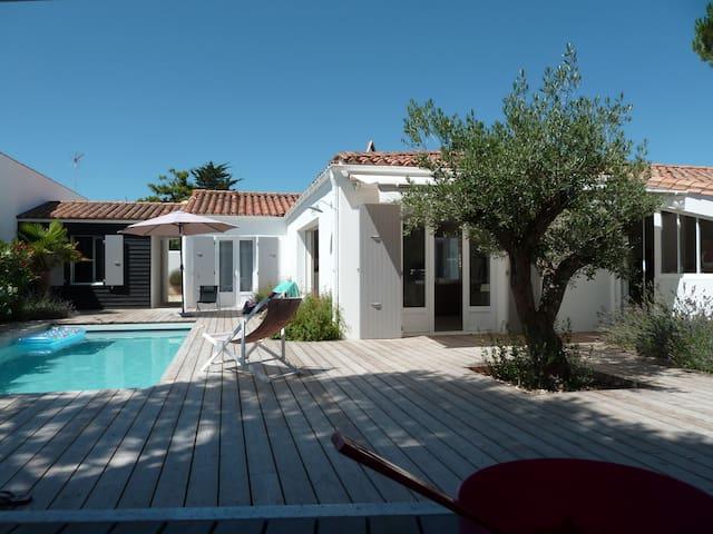 Ré: Villa 4*  with Pool for 10 p. 200m from beach - Le Bois-Plage-en-Ré - 別荘