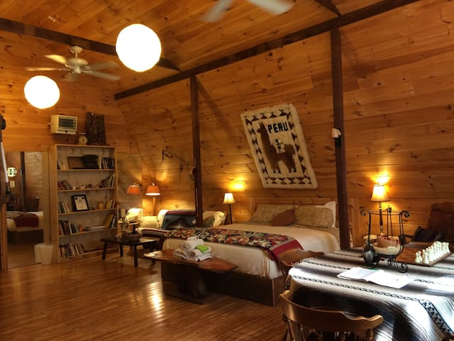 Huge private Loft - New Milford - Byt