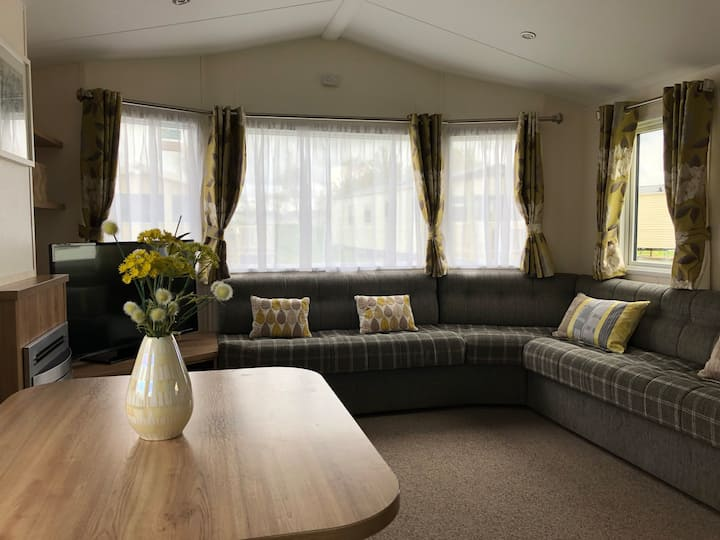 Summer Willow Lodge - Superb Luxury 8 Berth