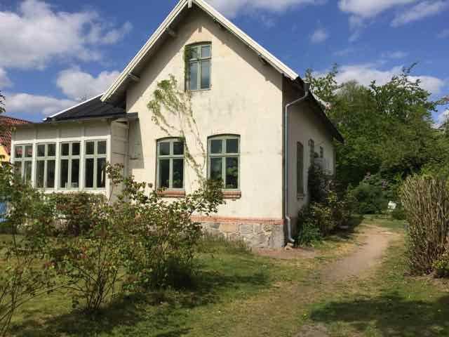 Stort sekelskifteshus nära Lund - Harlösa - 獨棟