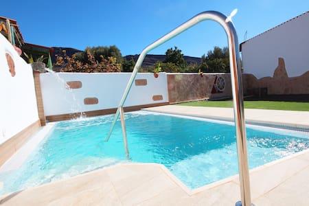 Espectacular villa con piscina privada salada