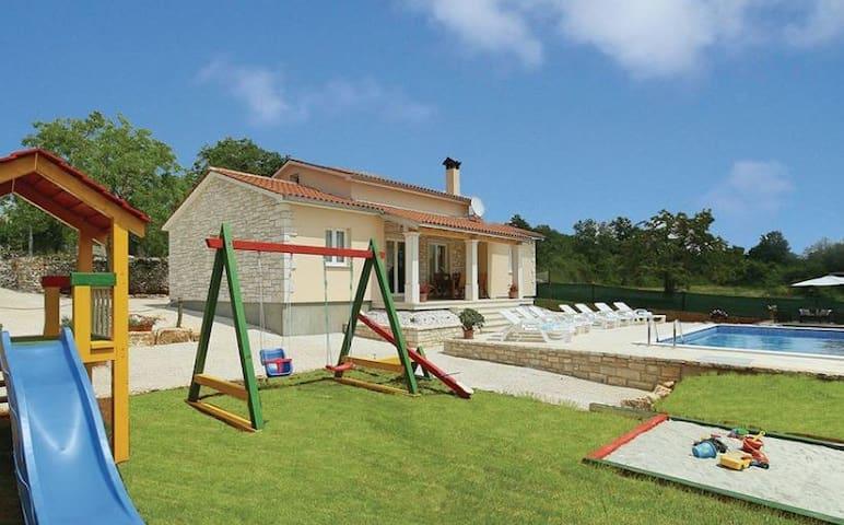 VILLA MIKELA - Tinjan - Casa