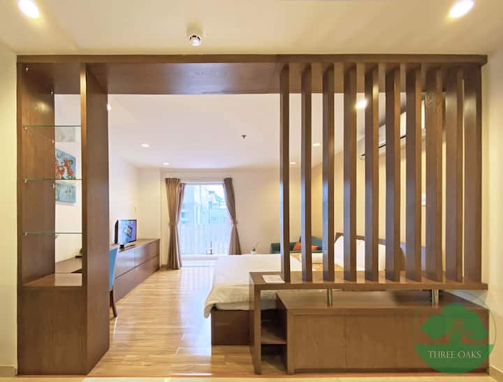 ThreeOaks1🌼Airy Spacious Flat with City View @ D1
