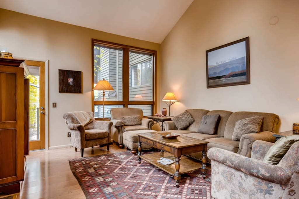 Red Pine Townhome #42 Living Area