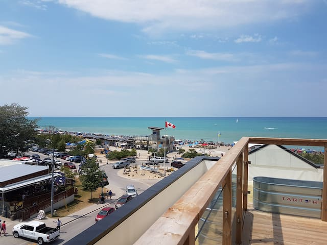 Grand Bend Luxury condo on the beach.