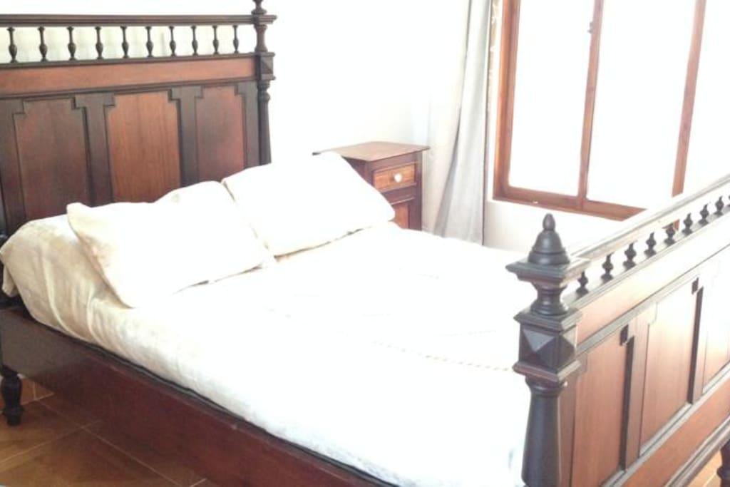 Habitaciones con cama doble y aire acondicionado