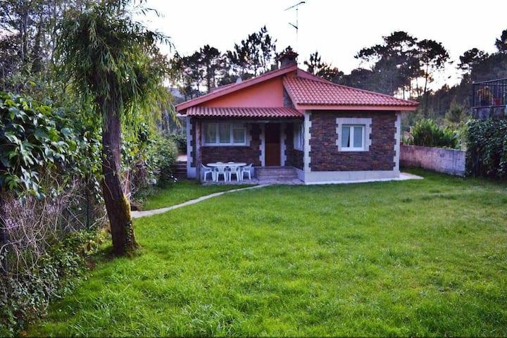 Ref. 11349 Casa con acceso directo a la playa