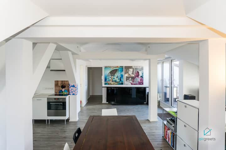 BEAUTIFUL LOFT IN MAXVORSTADT MUNICH