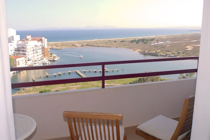Apartment with views of Rosas bay and Dalí route.