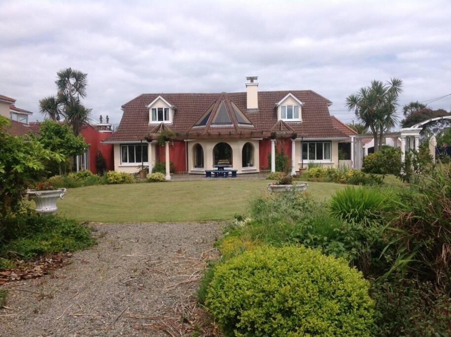 Ballysheen House