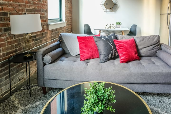Signature 1BR Apt Minutes to Everything