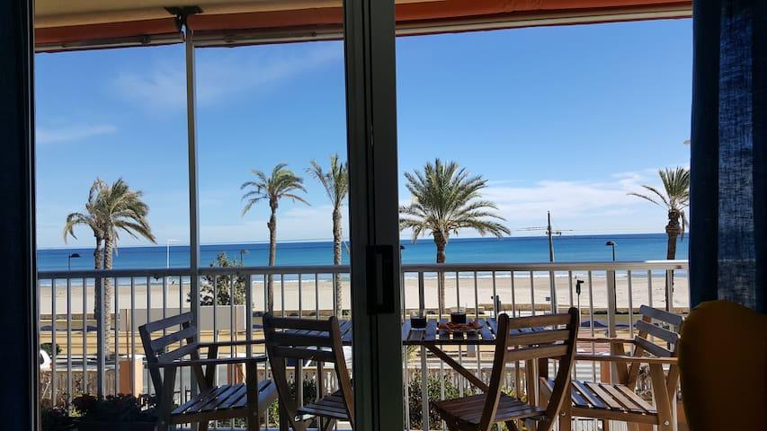 Playa. Bright in front of the sea. - El Campello - 公寓