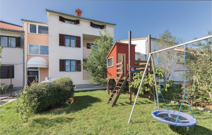 Nice home in Valbandon with WiFi and 1 Bedrooms