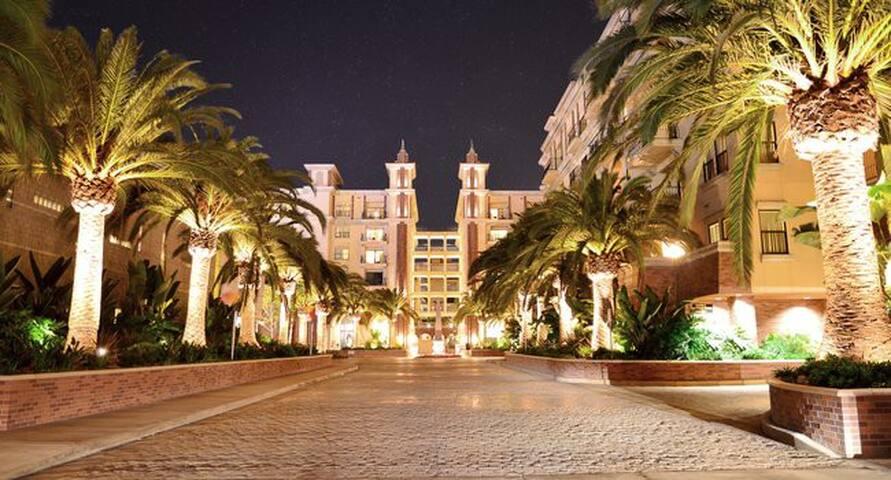 Spend Summer in Luxury at Lorenzo DTLA