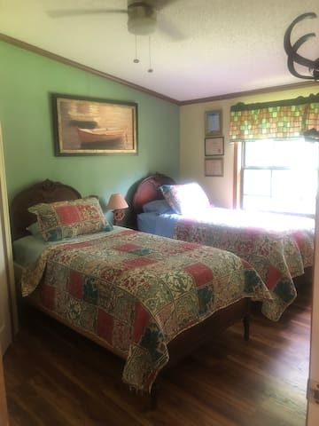 Twin beds or king in 3 bedroom