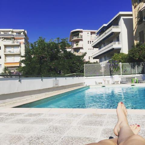 Charmant studio avec piscine Nice nord