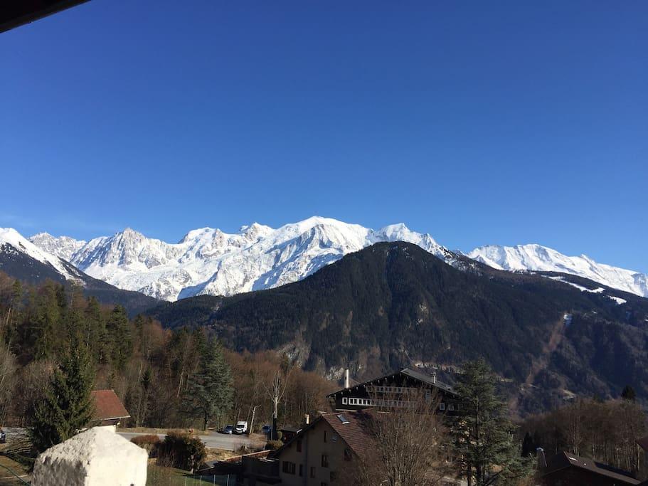 Vue sur le Mont Blanc depuis le balcon