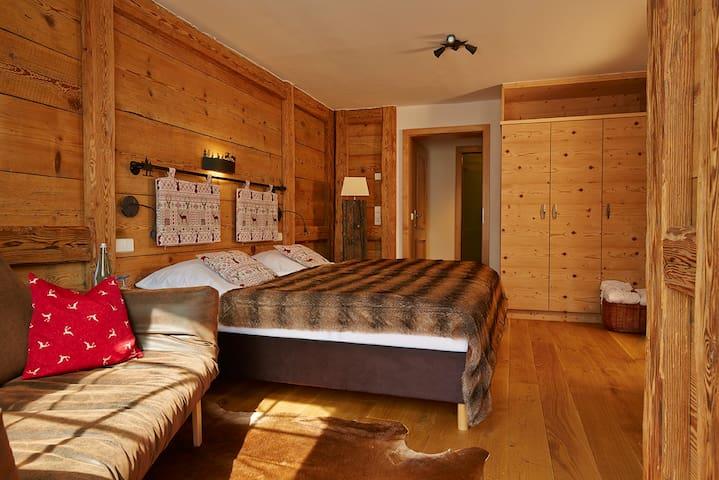 Hotel Schlehdorn, (Feldberg), Doppelzimmer Hüttenstil Comfort mit Dusche und WC