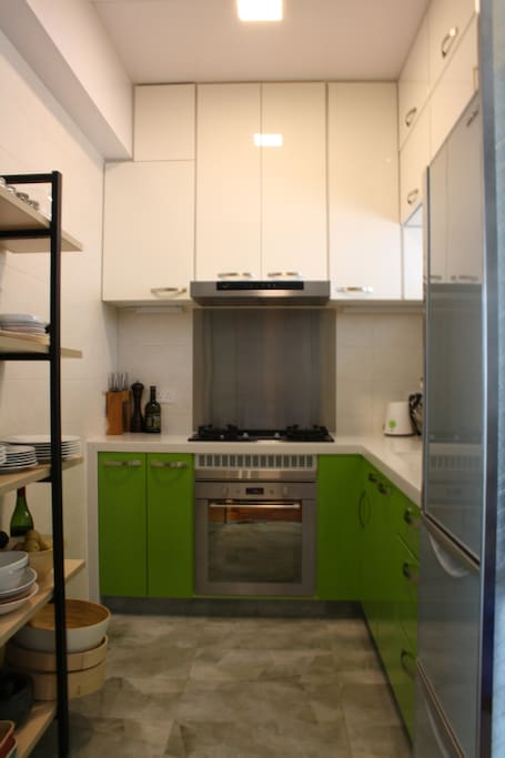 Kitchen, with oven, gas cooktop, tea & coffee