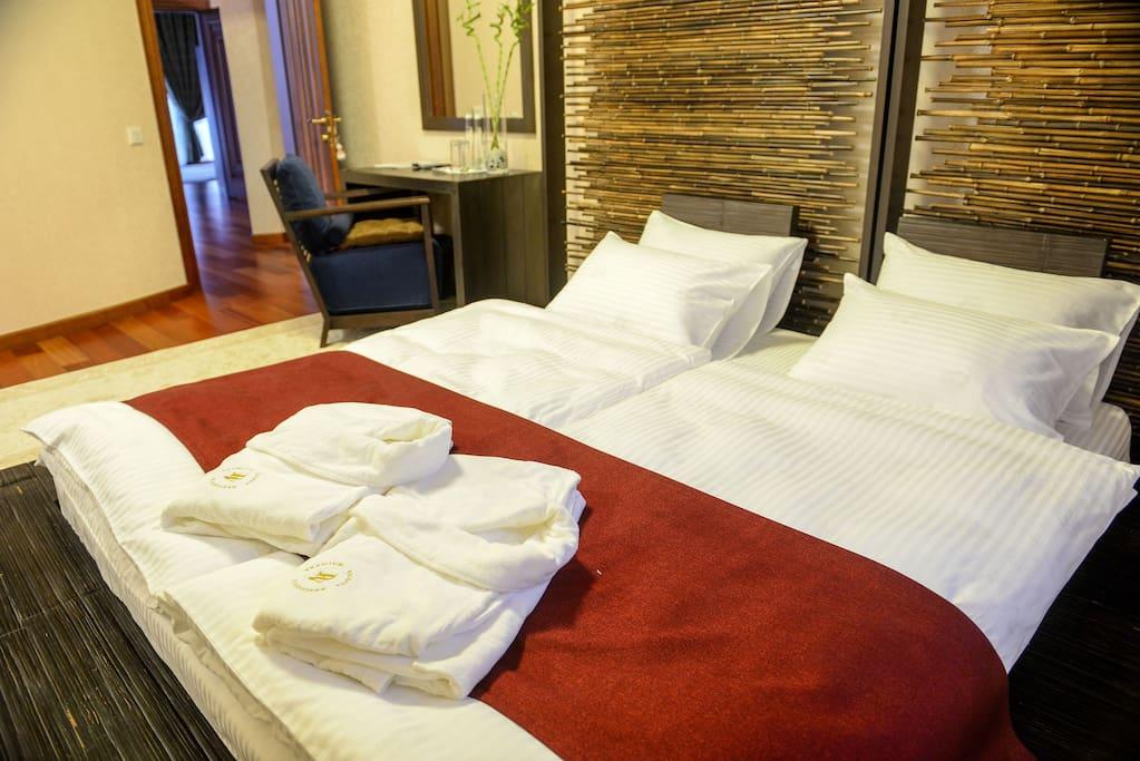 По желанию гостя предоставляем дополнительную односпальную кровать