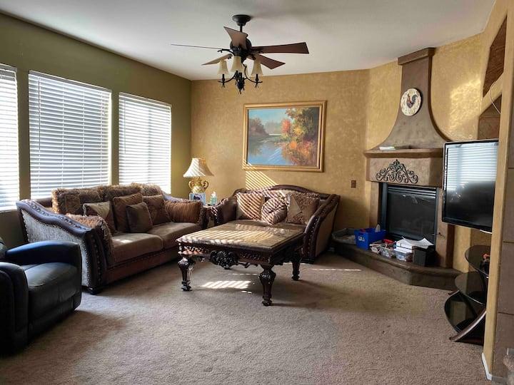 舒适干净整洁的单人房