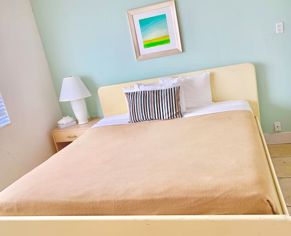 Queen Room | No Cleaning Fee | Two Free Beach Chairs |