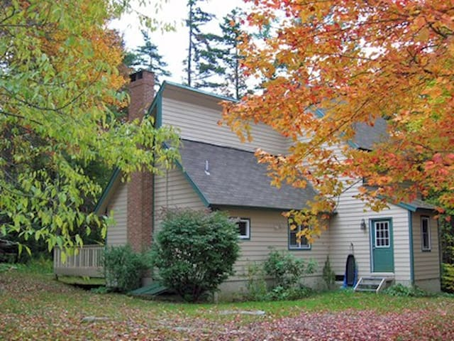 BEAUTIFUL LARGE COTTAGE CHIMNEY HILL MT. SNOW VT - Wilmington - Casa