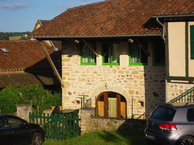 liane verte Maison  village sympa à prox FIGEAC - Felzins - Casa