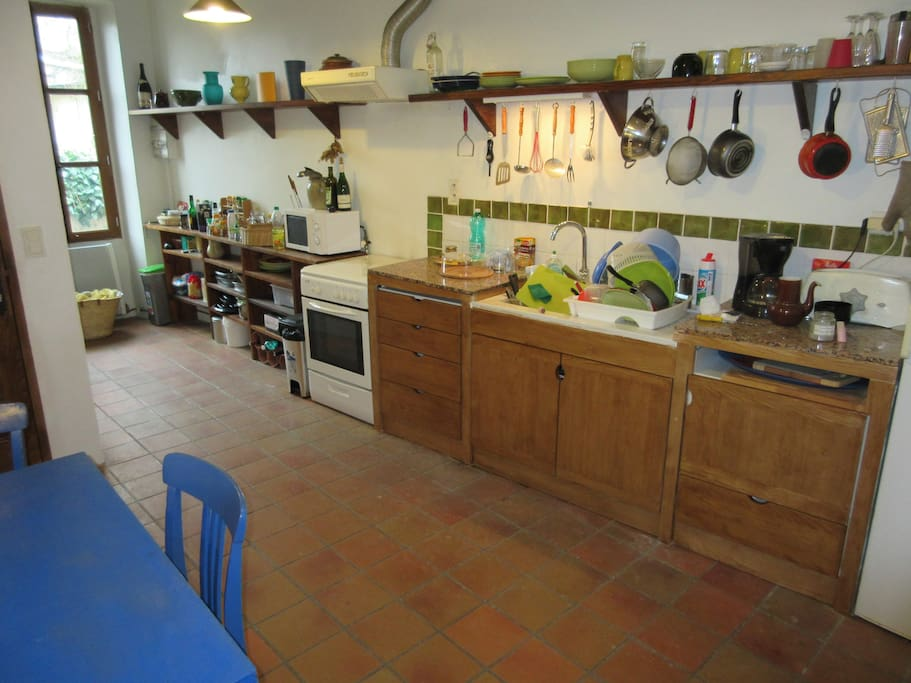 Kitchen & dining space