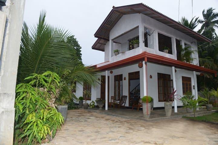 Eagle villa