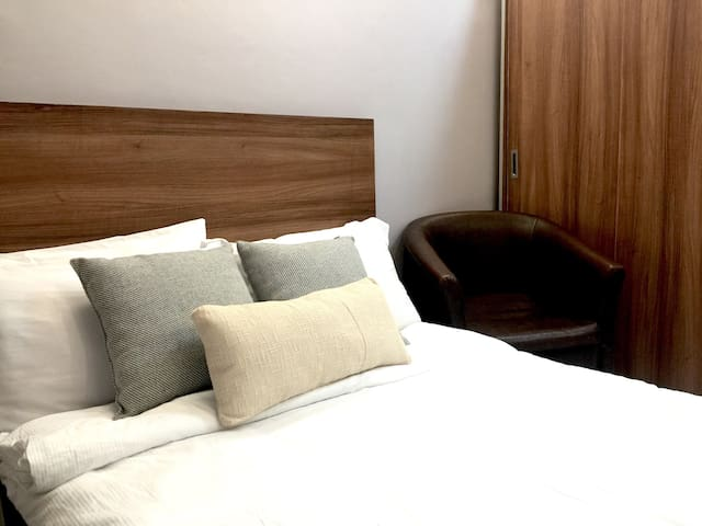 Luxurious Suite near SM Megamall - Pasig City - Condo