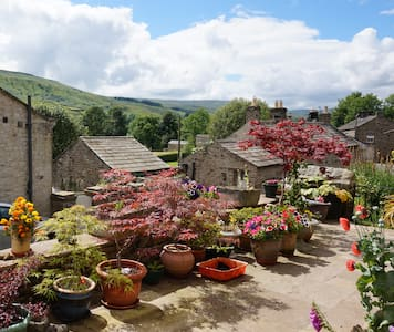 Spacious ensuite room with scenic Swaledale views - Gunnerside - Rumah