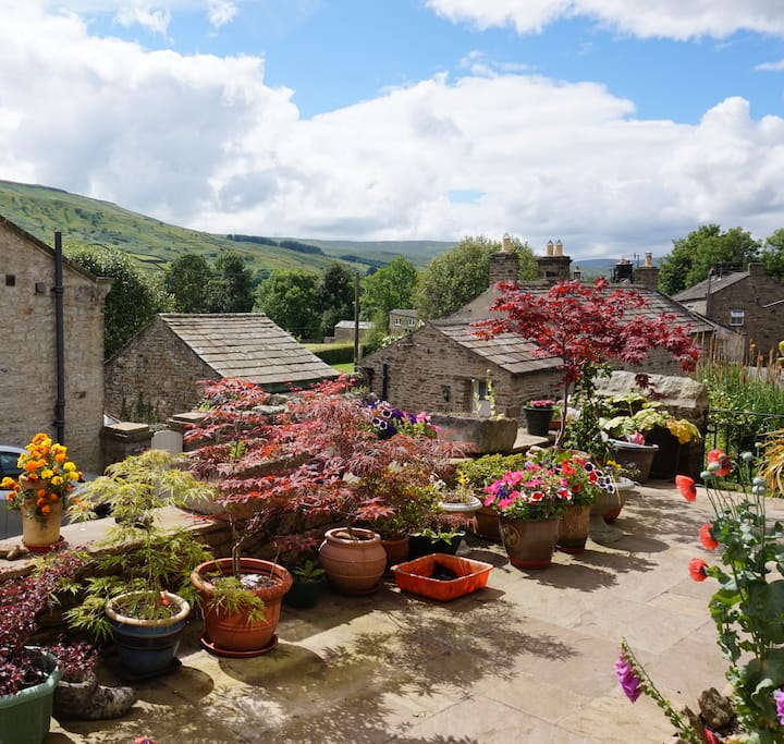 Spacious ensuite room with scenic Swaledale views