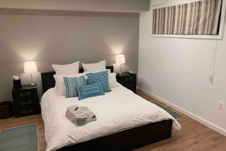 Clean modern home comforts (newly renovated)