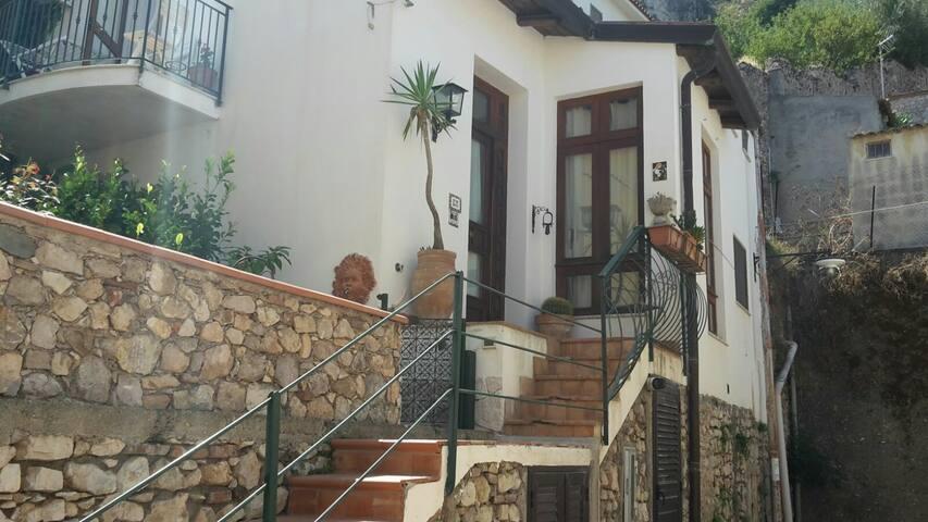 Centro storico Taormina casa indipendente