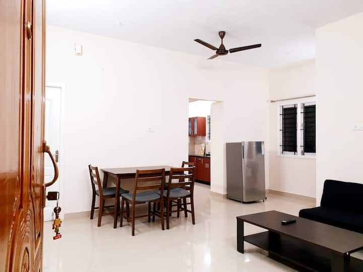 Chippy Apartment Furnished 2Bhk/1Bhk @Velachery S3