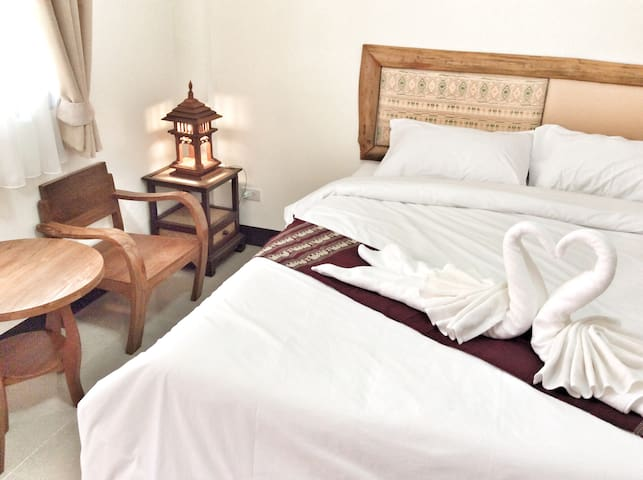 Clean&Comfort Big Room in centre of Chiang Mai