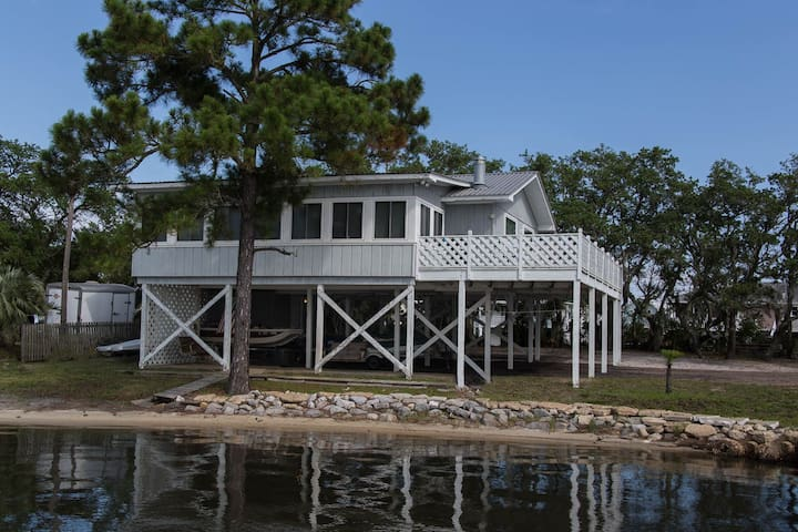 Waterfront House in Gulf Shores on Lagoon