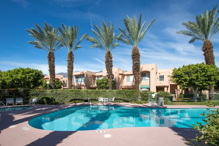 Great Condo in Resort-Like Complex - Palm Springs - Flat