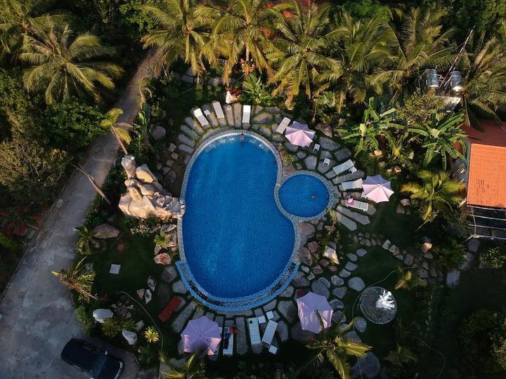 Y Nghia | Double Bungalow | Pool & Garden #3