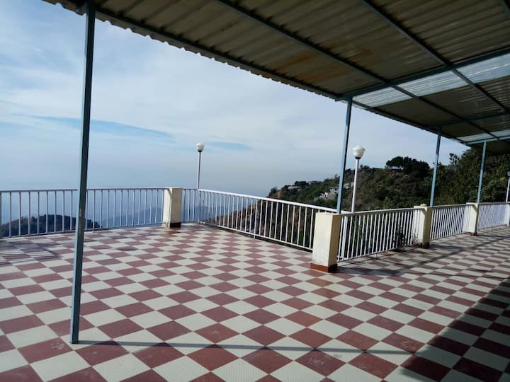 Entire Villa between the hills in mussoorie