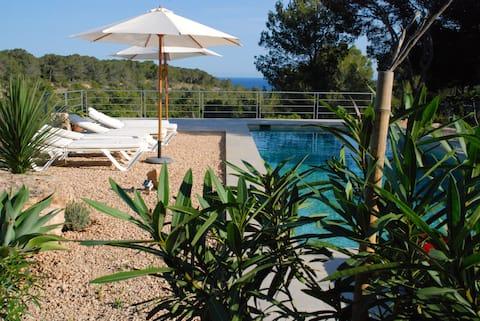 Villa, pool, sea view, nature